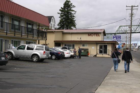 Rivershore Motel: Extérieur motel