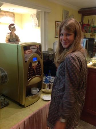 Hotel Stromboli: sniadanie i soki z automatu