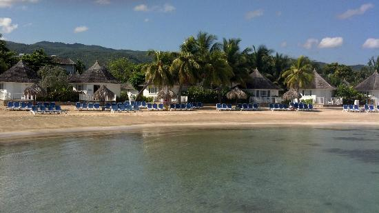 Royal Decameron Club Caribbean: Some of the beach front huts