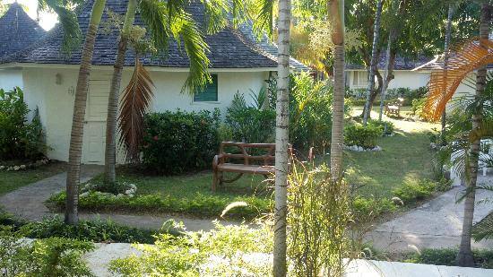 Royal Decameron Club Caribbean: Some of the gardenview huts