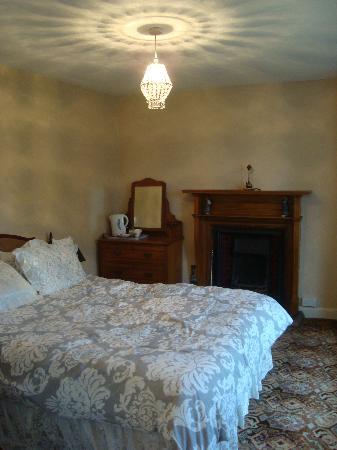 The Farm House B&B : double bedroom