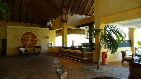 Punta Cana Princess All Suites Resort & Spa: Oasis-Lobby Bar