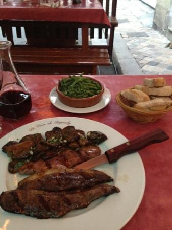 La Cave de Bigoudy : main course with a side of beans