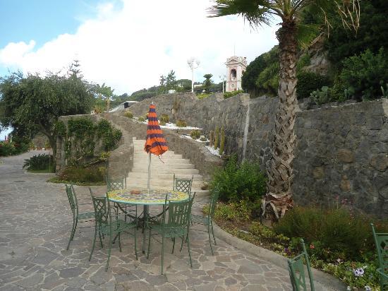 Hotel Zaro: Giardino