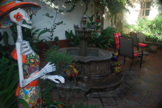 Hotel Casa Encantada: Patio