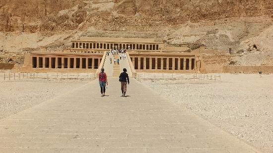 Temple of Hatshepsut at Deir el Bahari: Entrance