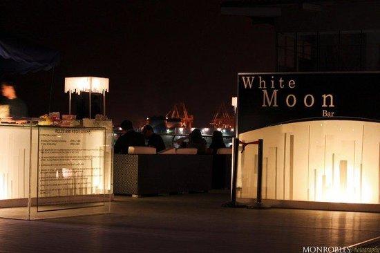 White Moon Bar