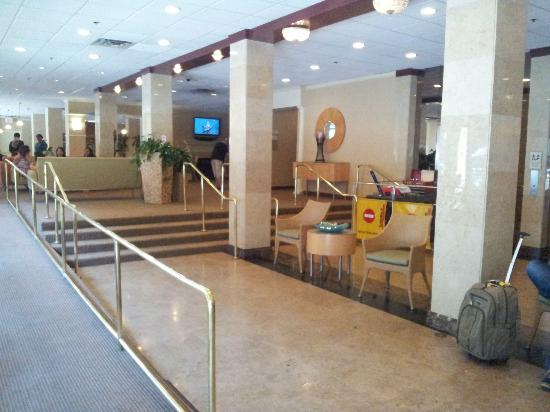 La Quinta Inn & Suites LAX: Lobby