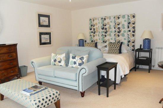 Longueville Manor : bedroom