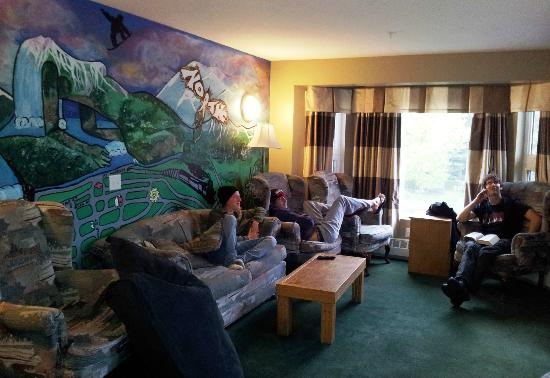 SameSun Backpacker Lodge: Common Room