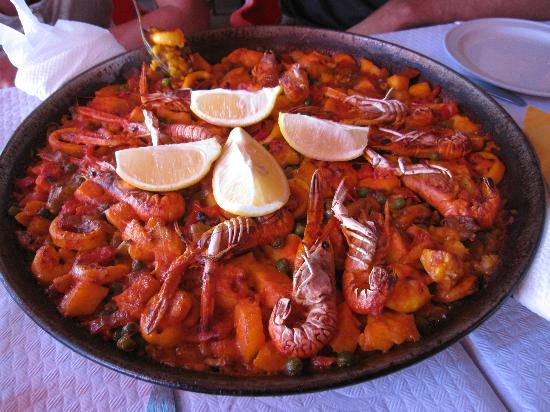 paella pour 4 personnes copieuse photo de restaurante la red marbella tripadvisor. Black Bedroom Furniture Sets. Home Design Ideas