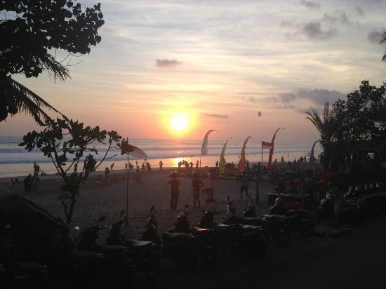 Puri Saron Seminyak: The seminyak beach exactly in front of the resort