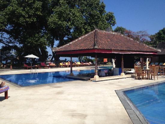 Puri Saron Seminyak: Pool bar