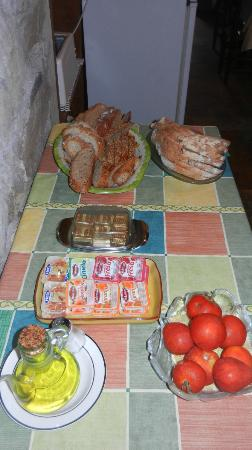 Can Massa: Ok Another Part Of The Breakfast Spread