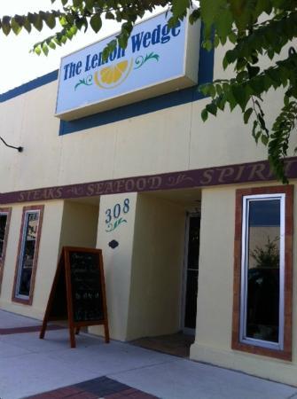 The Lemon Wedge: Restaurant entrance to this lovely family owned establishment
