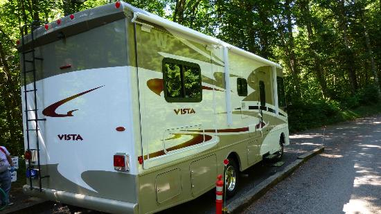 Timberlake Campground and RV Park: RV parking is nice