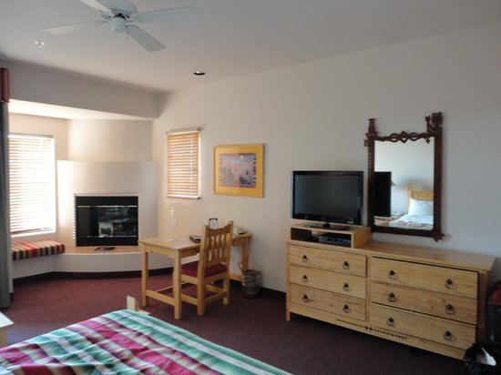 Inn at Eagle Mountain: nice modern flat screen