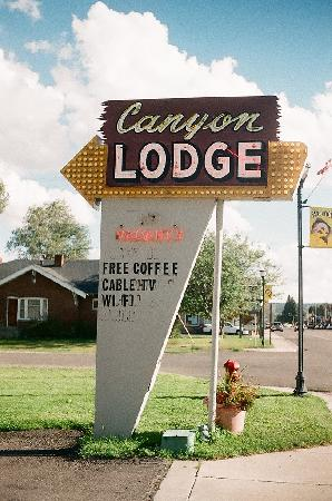 Canyon Lodge Motel: Canyon Motel sign, Highway 89, Panguitch, Utah