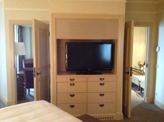Mandarin Oriental, Washington DC: Television in Master Bedroom
