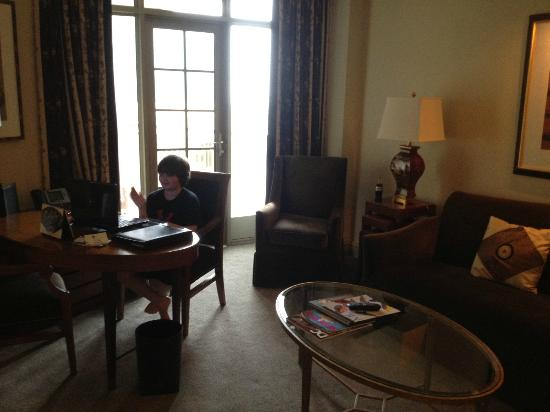 Mandarin Oriental, Washington DC: Our son took advantage of the free wifi in the Tai Pan Club rooms!