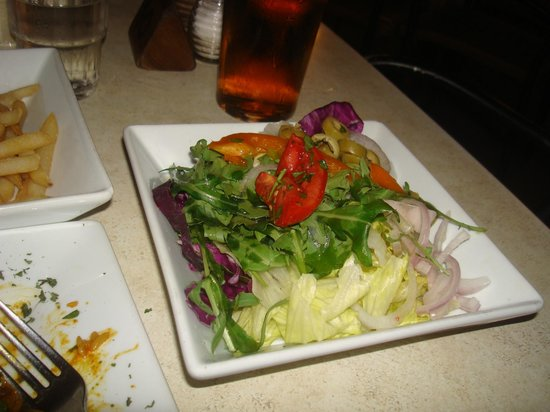 Cafe Caravaggio: Their side salad.