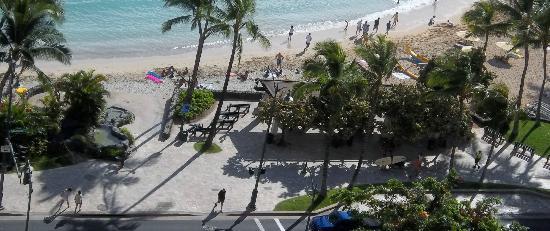 Alohilani Resort Waikiki Beach Waikiki Beach Right Across From The Hotel