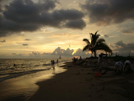 Sunscape Puerto Vallarta Resort & Spa: Sunset just north of the HI