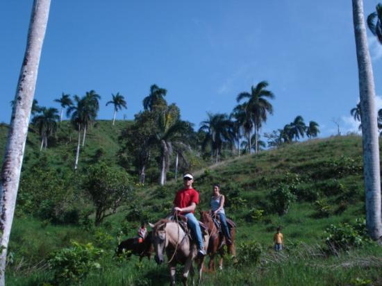Rancho Lobo Gris : Starting the ride