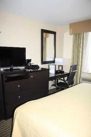 Quality Inn Woodside: room