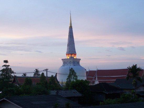 Nakhon Si Thammarat, Thailand: chedi view