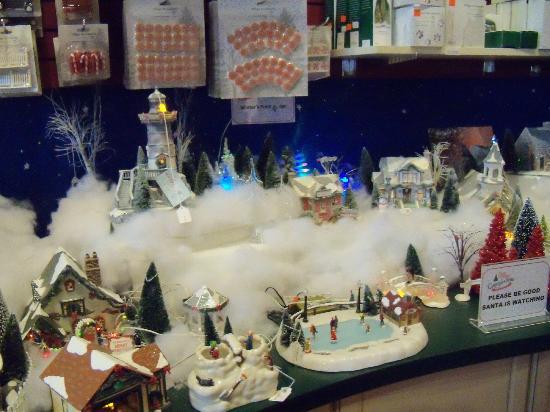 Santa Claus Christmas Store照片