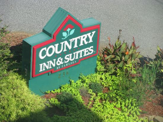 Country Inn & Suites By Carlson, Athens: Motel Sign from the Fourth Flook of the Motel