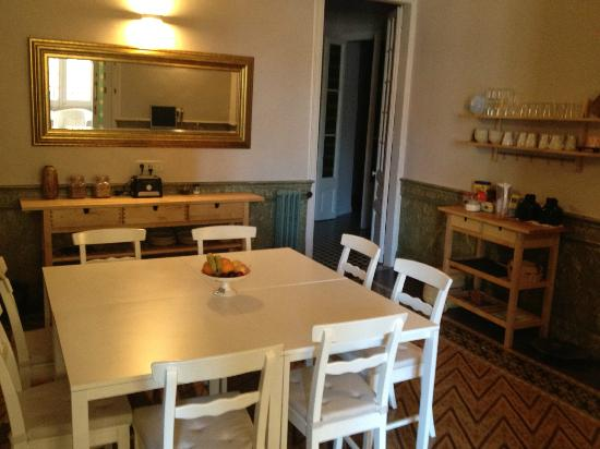 Plaza Catalunya Guest House: Dining room