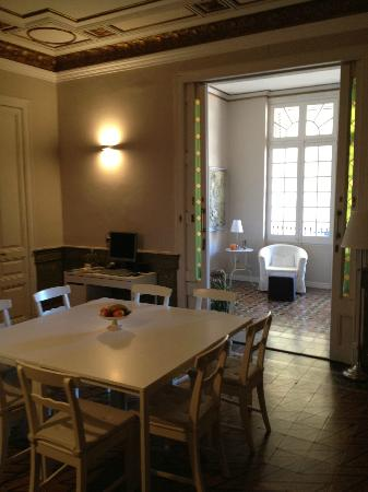 Plaza Catalunya Guest House: Dining room + sun room