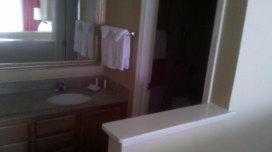 Residence Inn Fremont Silicon Valley : Upstairs bathroom