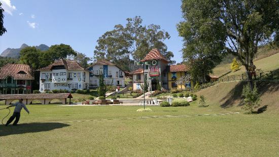 Hotel Village Le Canton: Vista de um dos blocos de apartamentos