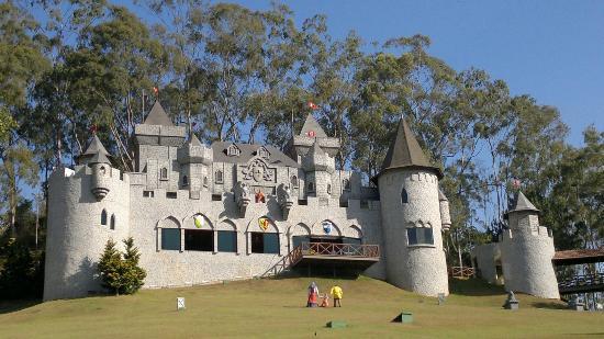 Hotel Village Le Canton: Castelo