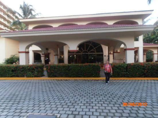 Barcelo Puerto Vallarta: entradita del hotel