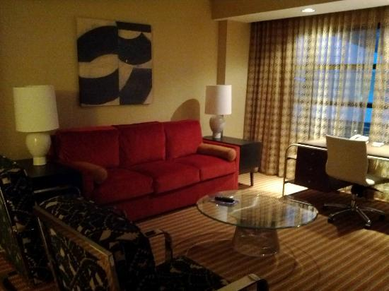 Hilton Omaha: The living room of the suite