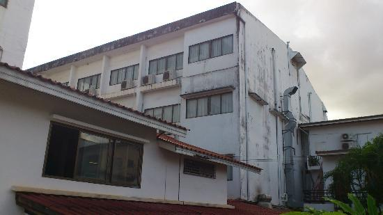 Best Western Vientiane Hotel: backside of hotel