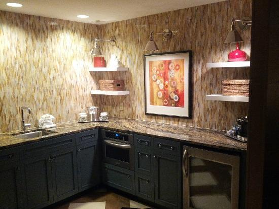 Hilton Omaha: The kitchen area