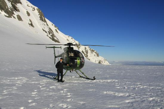 Alpine Adventure Centre Tours : I with the helicopter that lifted me to the top of the glacier
