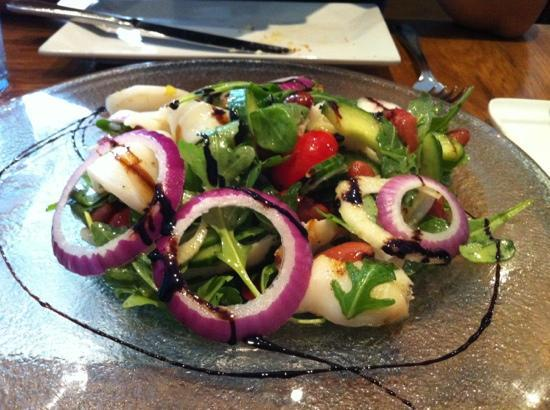 Luna Sur: calamari salad
