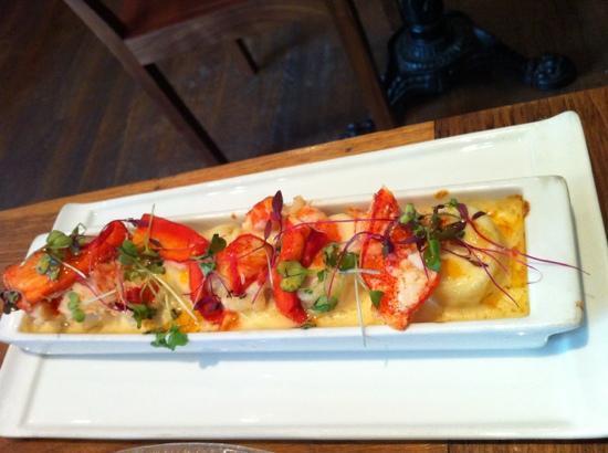 Luna Sur: lobster mac & cheese