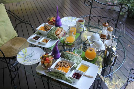 The Garden Gate: Tropical breakfast on the deck