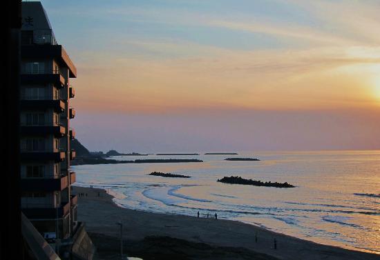 Miyakoya: 夕焼けの日本海