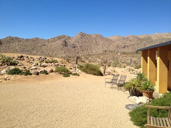 Sacred Sands: vor dem Haus