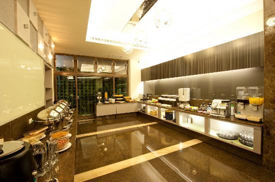 Li Shiuan International Hotel: buffet area
