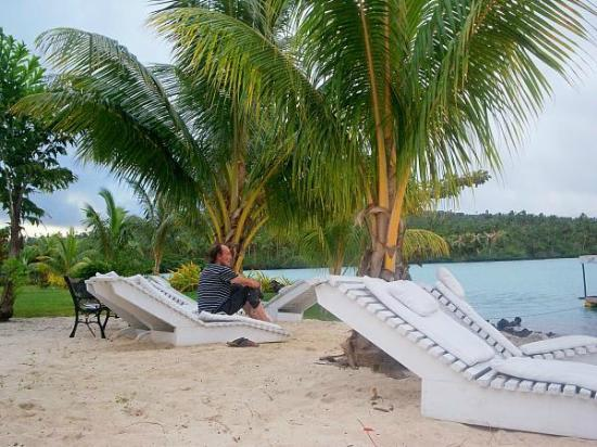 Jet Over Hotel: Beach