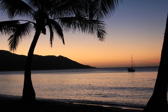 Magnetic Island Bed & Breakfast: Beautiful sunsets from Horseshoe Bay